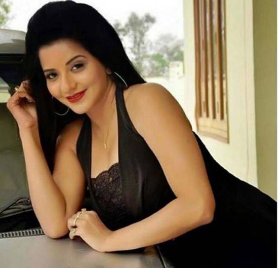 Mona Lisa is a big name in Bhojpuri film industry and she has done 50 films in the industry so far.