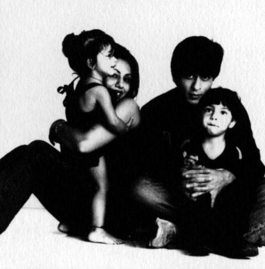 Shah Rukh Khan and Gauri Khan with Aryan Khan and Suhana Khan