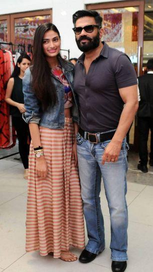 Athiya Shetty, Suniel Shetty
