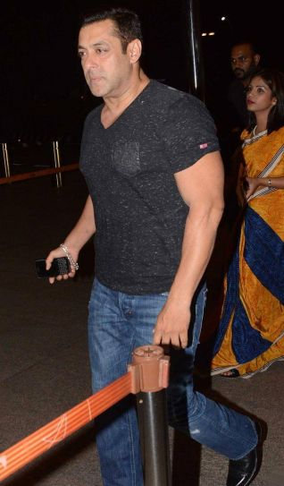 Salman Khan at airport