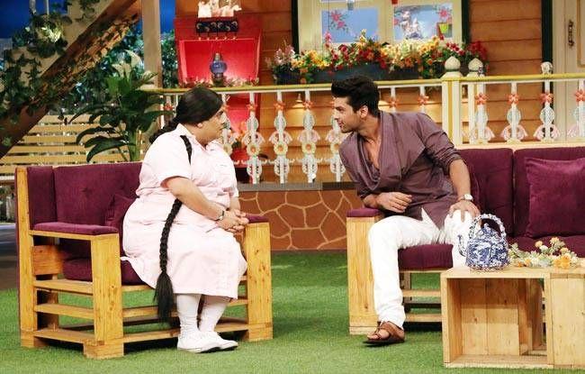 Kushan Tandon and Kiku Sharda seem to be in an intense discussion.