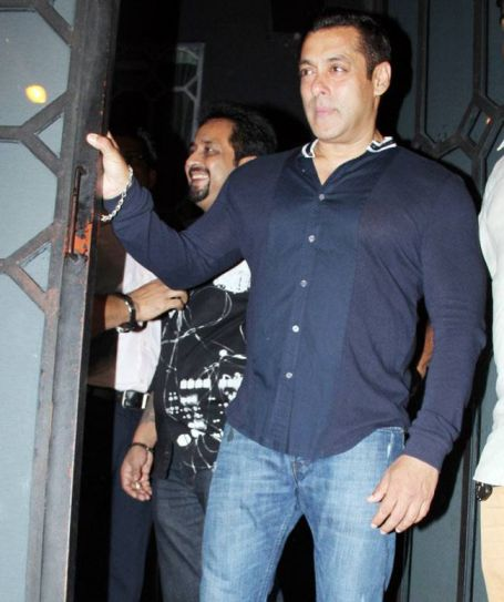 Salman Khan at Aayush's birthday bash