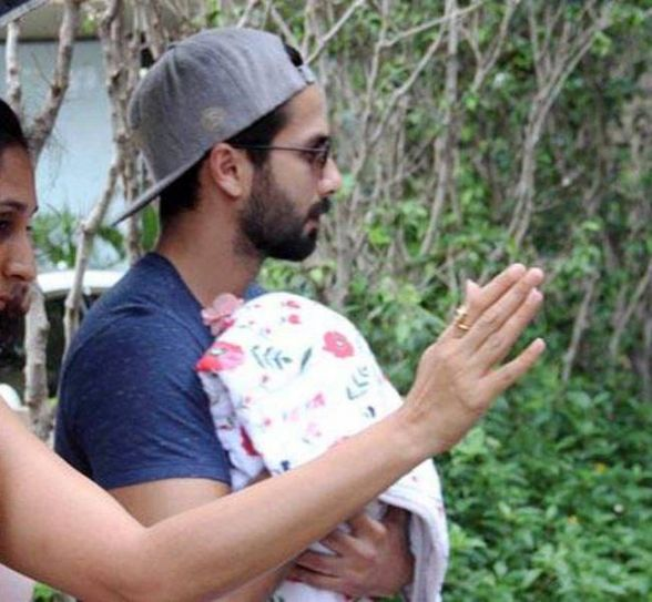 Shahid Kapoor with baby daughter Misha