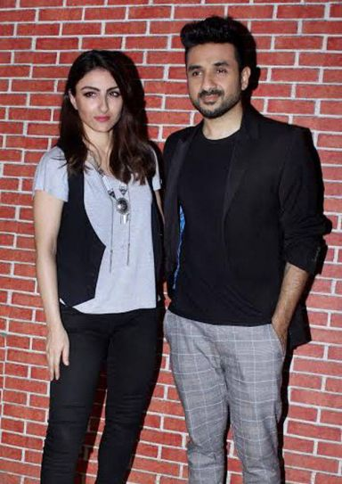 Soha Ali Khan and Vir Das at a promotional event