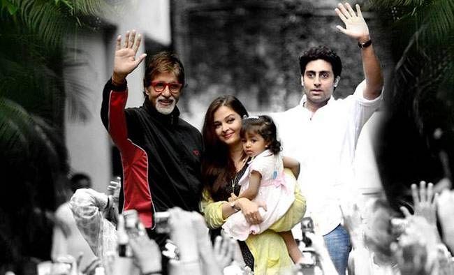 Aishwarya Rai Bachchan, Amitabh Bachchan and Abhishek Bachchan with Aaradhya Bachchan