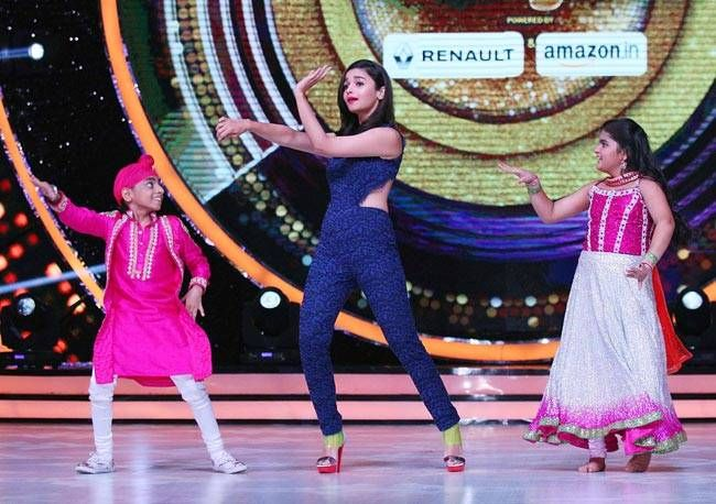 After shaking a leg with the super kids of Super Dancer, Alia Bhatt will once again showcase her dancing skills on Jhalak Dikhhla jaa stage.