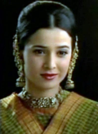 Heena: Simone finally bagged the lead role in the popular family drama series Heena. It is the series she is known for the best, especially among 90s kids. The show premiered in 1998 and went on till 2003. The show revolved around a Muslim woman Heena, wh