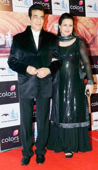 Jeetendra and Poonam Dhillon looked graceful in black.
