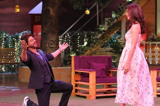 SRK wooing Alia in his trademark style.