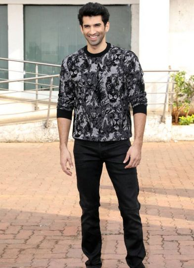 Aditya Roy Kapur is all smiles.