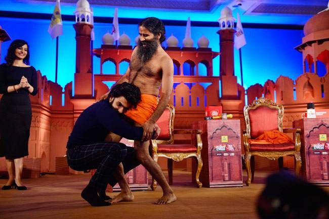 Ranveer Singh and Baba Ramdev at Agenda Aaj Tak 2016