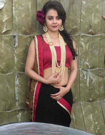 Devoleena looks very different from her screen avatar of Gopi bahu in this shoot. We are so looking forward to this calendar.