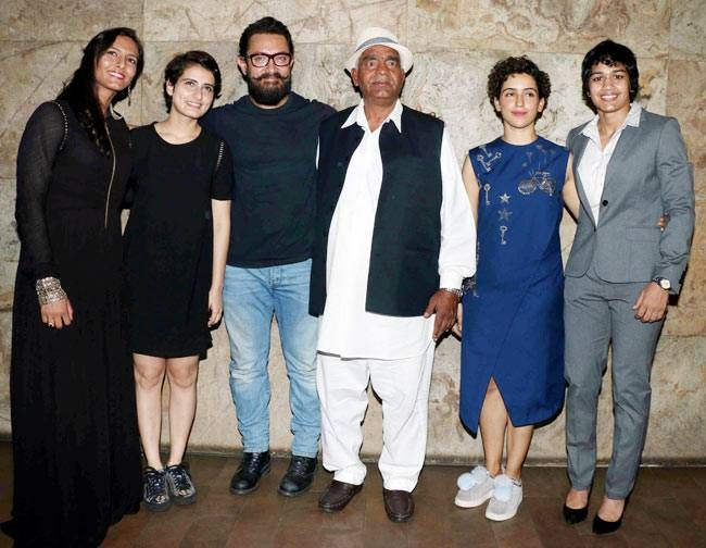 Aamir Khan with Phogat family