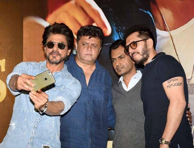 Shah Rukh Khan, Rahul Dholakia, Nawazuddin Siddiqui and Ritesh Sidhwani at the Raees trailer launch