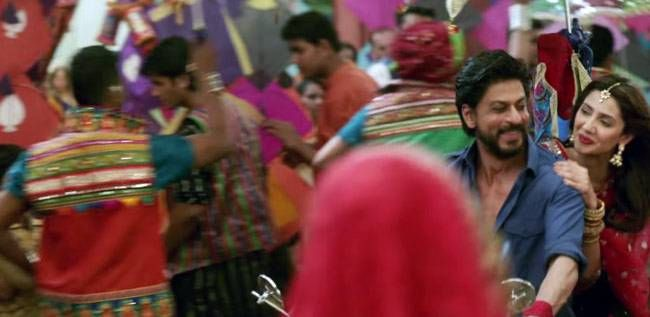 Mahira Khan and Shah Rukh Khan in a still from Raees