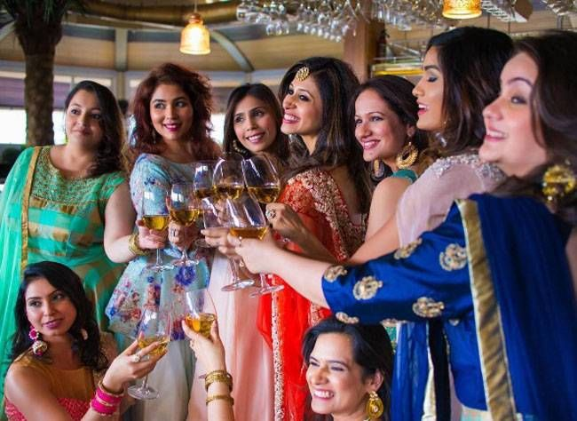 Kishwer Merchantt with her lady friends at her bachelorette.