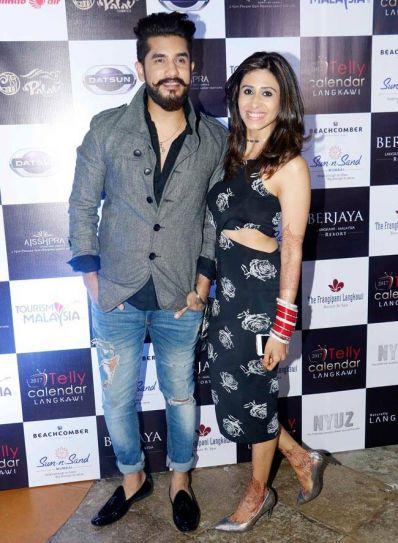 Newlyweds Suyyash Rai and Kishwer Merchantt pose together.