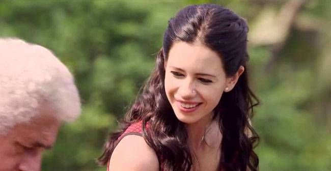 Kalki Koechlin as Tara Kapoor in Waiting