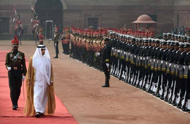 Crown Prince Mohammed Bin Zayed inspected a guard of honour at the Indian president's residence where he was accorded a ceremonial welcome.