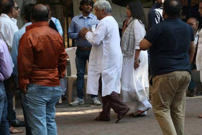 Javed Akhtar and Shabana Azmi at Om Puri's residence