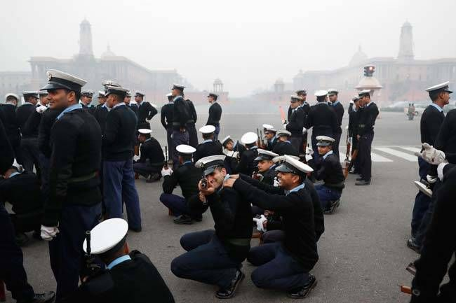Coast guard soldiers rehearse for Republic Day 2017.