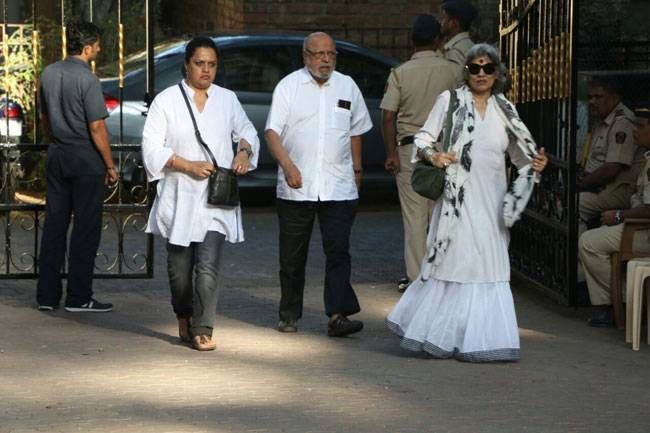 Shyam Benegal and Dolly Thakore at Om Puri's residence