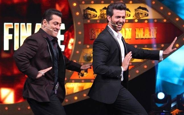 What will happen when Sultan of Bollywood will try Kaabil Hrithik Roshan's signature step? All the highlights from the grand finale of Bigg Boss 10 in pics.