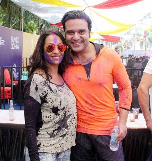 Kashmeera Shah and Krushna Abhishek are enjoying themselves during the party.