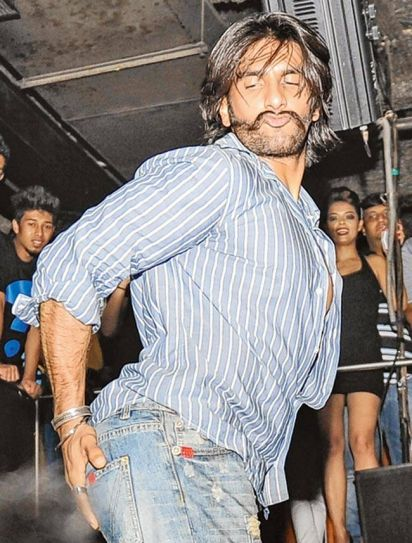 Powerhouse of energy, Ranveer Singh knows how to be the life of the party.