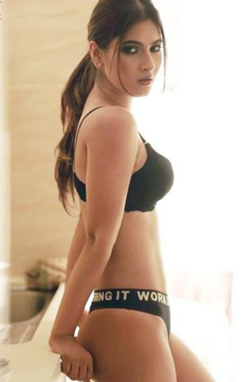 Ragini Mms Returns Karishma Sharma Looks Super-Hot In -3179
