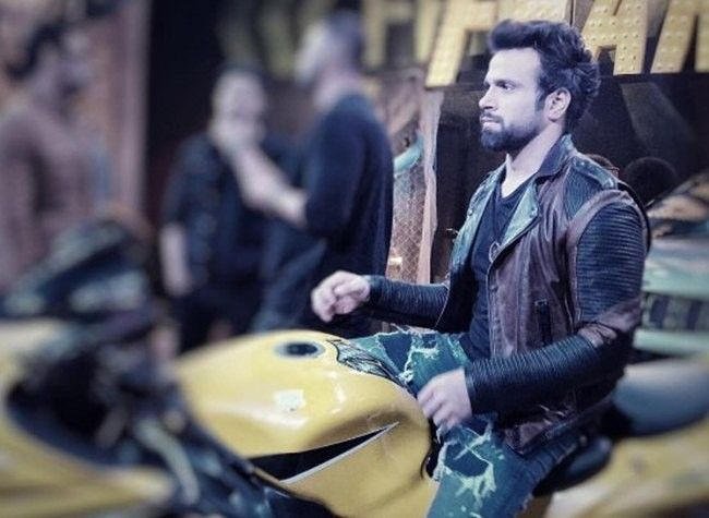 Rithvik Dhanjani too has entered semi final of the stunt-based reality show.