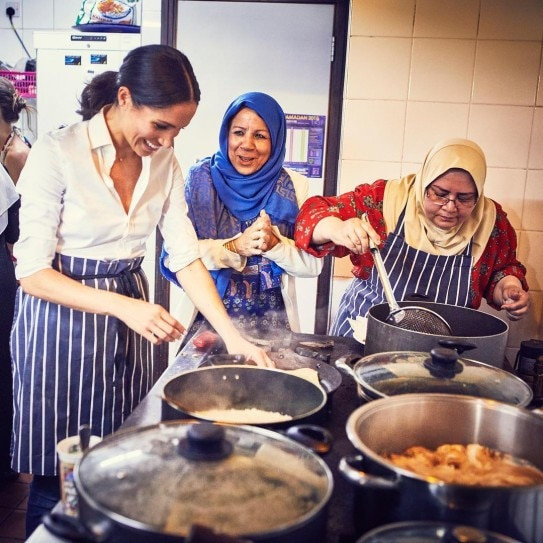 Meghan Markle takes mom along to UK cooking fundraiser