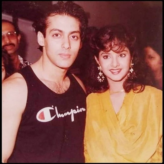 bollywood-ke-kisse-when-divya-bharti-cried-because-of-aamir-khan-and-salman-khan-came-to-the-rescue