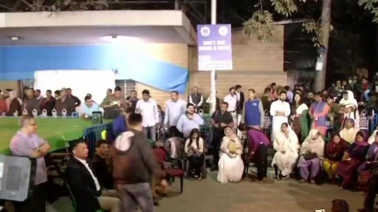 Mamata Banerjee, mamata banerjees dharna, Dharna In Kolkata, Mamata Banerjee dhrna Metro Channel, Mamata Banerjee protest, West Bengal Chief Minister Mamata Banerjee, Central Bureau of Investigation, CBI