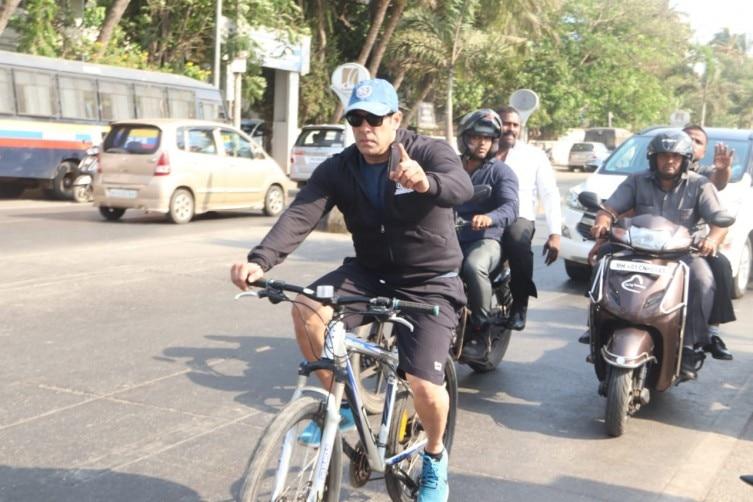 ef2adbe33 Salman Khan goes cycling on the streets of Mumbai. See pics   IndiaToday