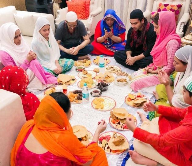 Dipika Kakar and Shoaib Ibrahim enjoy iftar feast with family. See pics