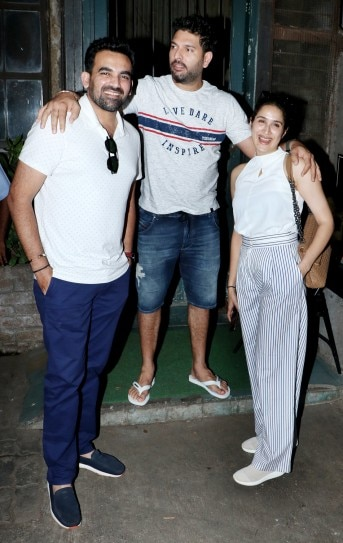 Sagarika Ghatge and Zaheer Khan step out for dinner date with Yuvraj Singh. See pics