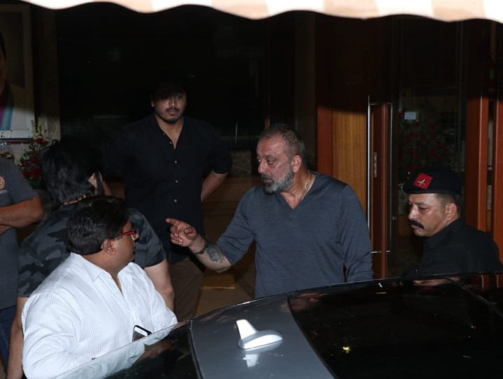 Sanjay Dutt celebrates 60th birthday with fans at his ...