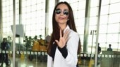 Malaika Arora at the airport showing her abs Photo: Yogen Shah