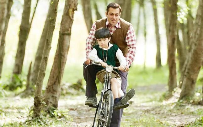 Salman Khan and Matin Rey Tangu in a still from Tubelight