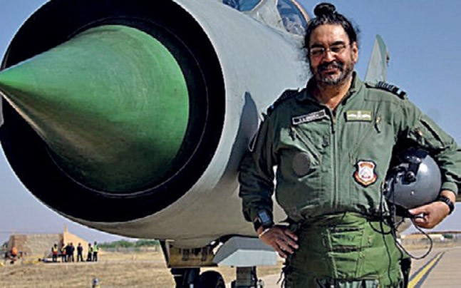 Air Chief Marshal B.S. Dhanoa with the superannuated MiG-21 Type 96.