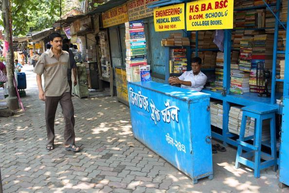 College_Street_Mini_Book_Fair_Shankha_Ghosh_and_Buddhadeb_Guha_will_be_remembered_abk_five