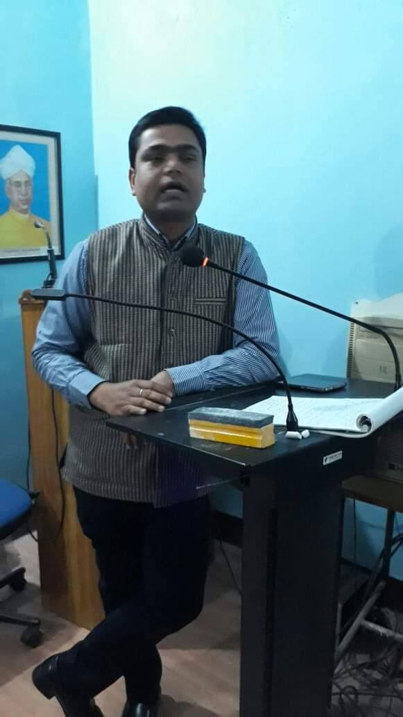 varanasi-20-nov-hindu-teacher-in-urdu-department-2_112019082122.jpg