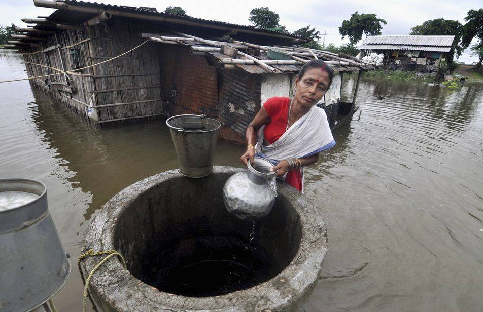 flood-in-assam-3_070320090233.jpg