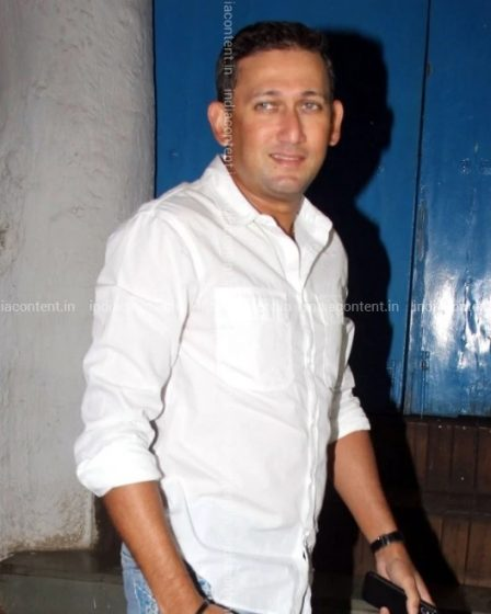 Buy Images of Ajit Agarkar at IndiaContent.in