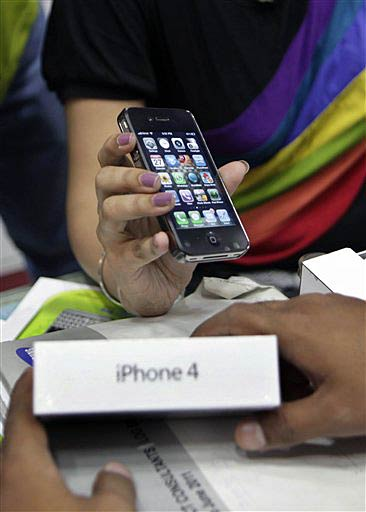 Apple iPhone 4 launched in India