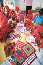 Cairn India promotes local handicrafts