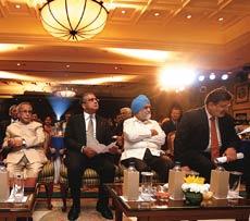 Pranab Mukherjee, Aroon Purie and Montek Singh Ahluwalia, with <em>BT</em> Editor Chaitanya Kalbag