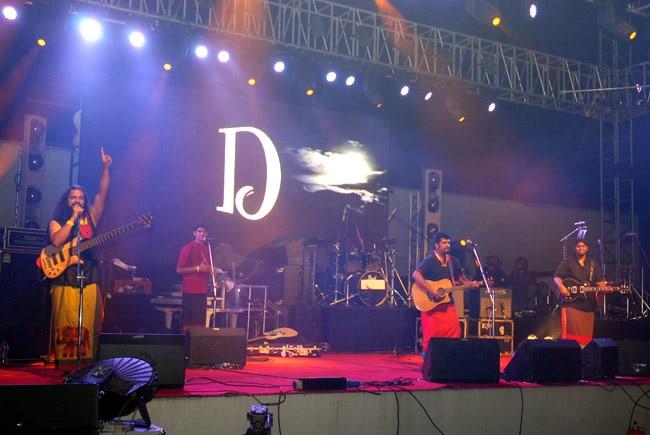 Raghu Dixit at The Dewarists Stage Bacardi NH7 Weekender-2011 (Image courtesy: NH7 Weekender)