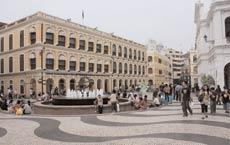 Senado Square's cobblestone streets